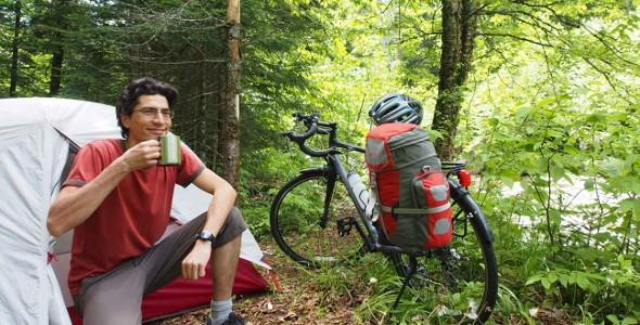 Camping bienvenue cyclistes - Parc régional du Massif du Sud