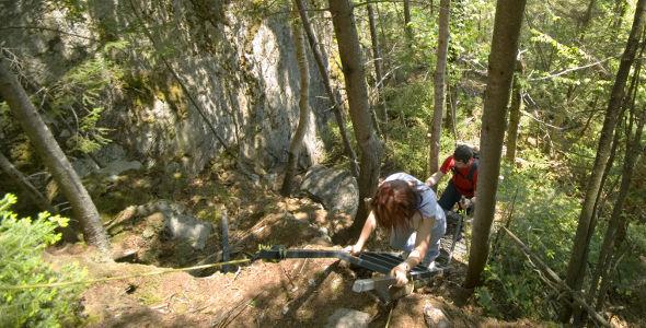 Sentier des Abris-sous-roches