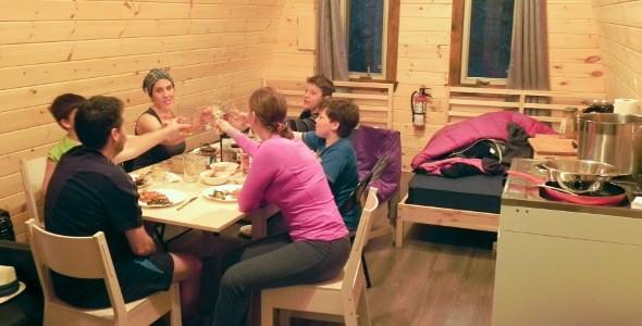 souper en famille dans un POD du Parc régional du Massif du Sud